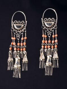 Tajikistan | Earrings; silver, coral and niello | ca. 1st half of the 20th century | 1,050€