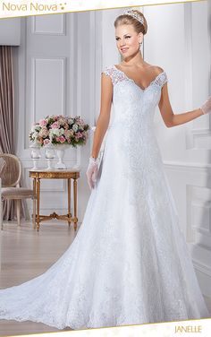 Janelle #vestidosdenoiva #noiva #vestidodenoiva #bride #wedding #casamento #weddingdress #weddingdresses #bridaldress
