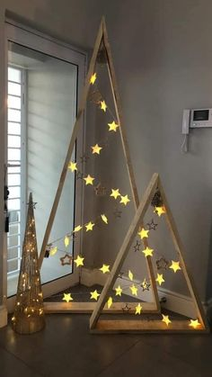 30 Creative Christmas DIY Ideas Anyone Can Do : chic scandinavian christmas decoration idea Unusual Christmas Trees, Alternative Christmas Tree, Xmas Tree, Chrismas Tree Diy, Different Christmas Trees, How To Make Christmas Tree, Noel Christmas, Christmas Crafts, Christmas Ornaments