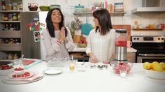 Geneviève O'Gleman and Alexandra Diaz are cooking pancakes in a muffin pan iin this video clip from Minutes Futées. Verrine Fruit, Mini Crepe, Tv Chefs, Cooking Recipes, Healthy Recipes, Yummy Recipes, Healthy Food, Kids Meals, Videos