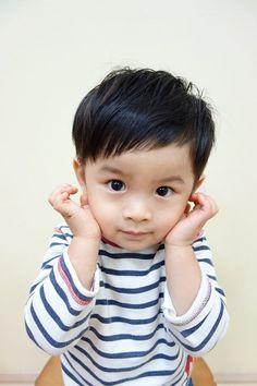 短すぎない、ツーブロック!! 可愛らしさたっぷり!!!! -こども専門の美容室「チョッキンズ」- Modern Boy Haircuts, Toddler Boy Haircuts, Little Boy Haircuts, Kids Cuts, Boy Cuts, Baby Boy Hairstyles, Cool Hairstyles, Q Hair, Baby Haircut