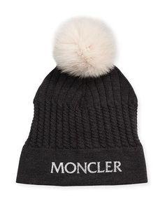 K0QGF Moncler Girls' Berreto Virgin Wool Logo Beanie Hat w/ Fur Pompom