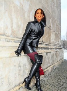 """-""""Get on hands & knees at my feet Mark Shavick! High Leather Boots, Leather Gloves, High Boots, Leather Fashion, Fashion Boots, Fashion Fall, Fashion Trends, Dress With Boots, Long Boots Outfit"""