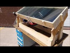 Developed by: Leon Fainstein and Serge Broeska Stirling Engine, Diy Solar, Steam Engine, Alternative Energy, Inventions, Projects To Try, Engineering, Motors, Plates
