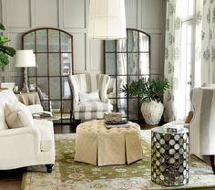 salotto shabby con finte finestre decorative - Arredamento Shabby