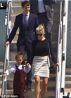 Kushners fly to Florida on Air Force One   Daily Mail Online