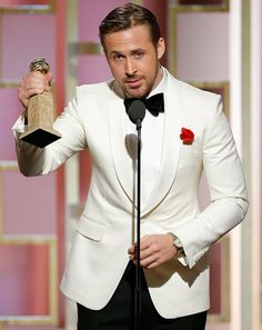 Watch Spotting: Ryan Gosling Wearing An Awesome Vintage Rolex At The 2017 Golden Globes, Because He Is Ryan Gosling