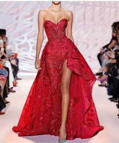 Vestito rosso a cuore Zuhair Murad Haute Couture Red Fashion, Couture Fashion, Couture 2015, Elegant Dresses, Pretty Dresses, Zuhair Murad Dresses, Robes Glamour, Evening Dresses, Prom Dresses