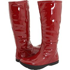 Snazzy red rain boots in patent leather with microfiber lining... Yes!