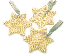 hama/Perler beads or cross stitch snowflake design - Christmas decorations, Christmas cards or gift tags