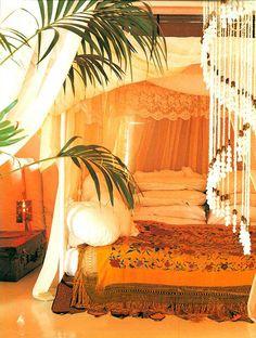 Bohemian Bedroom Canopy chambre bohème – atmosphère romantique en blanc | canopy curtains