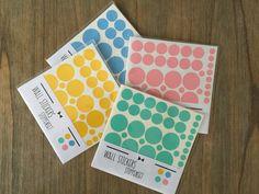 Stippen muursticker set in verschillende 4 kleuren
