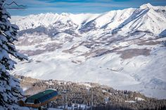View of #paradise looking down from #theextremes. #crestedbutte Photo: @trentbonaphoto