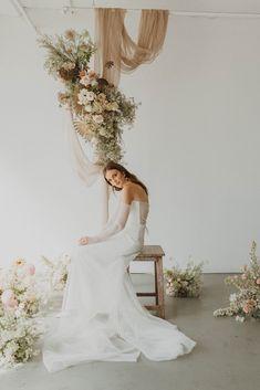 Foolishly Rushing In: Fotografía editorial de bodas inspirada en la moda – Wedding Hub Nicole Richie, Top Wedding Photographers, Floral Wedding, Floral Design, Wedding Dresses, Fashion, Wedding Videos, Editorial Photography, Fashion Magazines