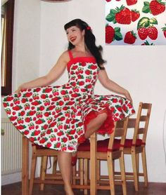 Pinup dress 'Daisy dress in Strawberry by PinupDollCollection