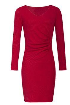 Velmi příjemné šaty, které oceníte díky materiálu v chladnější podzimní či zimní dny. Vezměte je do práce, do města, na kávu s kamarádkou, dolaďte barevnými punčochami, kabelkou a botami z naší nabídky a výsledek bude báječný. Červená barva, lodičkový výstřih, elegantní dlouhý rukáv, řasení v pase k jedné straně skryje případné nedostatky v oblasti pasu. Materiál (95% polyester, 5% spandex) s jemnou podšívkou (55% rayon, 40% polyester, 5% elastan). Fashion, Moda, Fashion Styles, Fashion Illustrations