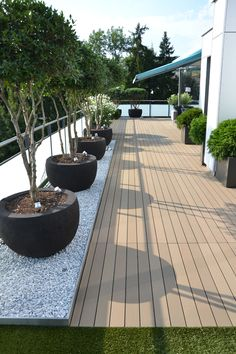 We love the clean lines and the rich colours of this Esthec terrace.