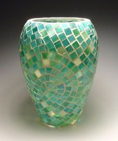 Glass on Glass Diary - a very detailed explanation of how to use Weldbond with glass mosaics Mosaic Bottles, Mosaic Vase, Mosaic Flower Pots, Mosaic Diy, Mosaic Crafts, Mosaic Projects, Mosaic Ideas, Clear Glass Vases, Fused Glass