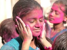 Riot of colours: Hindus in K-P prepare to celebrate Holi - The Express Tribune