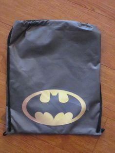 Tula Batman logo Dimensiones: 30x40cm