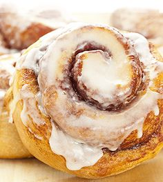 Cinnamon Roll Recipe: make great Cinnamon Rolls with our special cinnamon rolls recipe. If you love sweetness try our tutorial for homemade cinnamon rolls. Recipe For Homemade Rolls, Rolls Recipe, Recipe Recipe, Breakfast Recipes, Dessert Recipes, Desserts, Vegan Cinnamon Rolls, Grandmothers Kitchen, Good Food