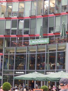 Postdammerplatz-Zweimal, Grosses Bier , Bitte.