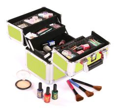 Inside the Urbanity Cosmo Makeup Case
