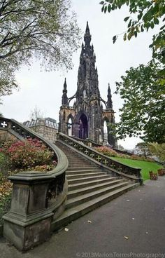 Scot's monument seen from Princes' Street gardens. Edinburgh City, Edinburgh Scotland, Scotland Travel, Scotland Trip, Places Around The World, Around The Worlds, Beautiful World, Beautiful Places, Scott Monument