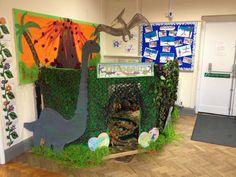 Themahoek: DINOSAUR World at nursery on the green!