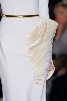 Sculptural dress detail - 3D structured fabric manipulation; dimensional fashion; wearable art // Stephane Rolland