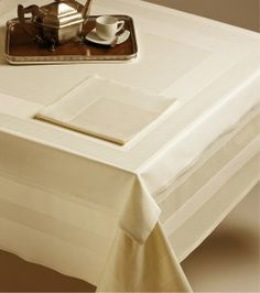 every #home should have a #classic and simple set of #table linens - #ETAMINE