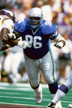 Cortez Kennedy - FYI: This guy kicked so much ass in Tecmo Bowl