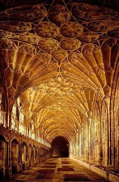 UK Art & Architecture The Cloisters, Gloucester