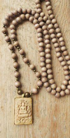 Charm- & Bettelketten - Mala Kette Buddha Amulett Boho Holzperlen braun - ein Designerstück von weibsbild bei DaWanda