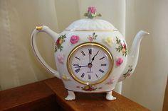 Royal Albert Old Country Roses Teapot Clock!!