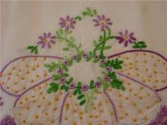 hand embroidey lavender patterens | VINTAGE PILLOWCASES HAND EMBROIDERY BEAUTIFUL LAVENDER FLORAL