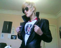 Sexy Dave Strider cosplay is sexy. O.O OMG this made me faint <3!!!!!!!! LOVE ME DAVE. *dies*