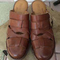 Born sz 10 M leather clog new Sz 10M broqn learher handcrafted Born Pollina shoe new with box Born Shoes