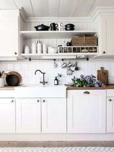 50 LUXURY FARMHOUSE KITCHEN DESIGN IDEAS ✓ - If you wish to have a Luxurious Farmhouse Kitchen Design Concepts. Possibly some suggestions from our staff can present inspiration to resolve your downside. We hope our article might be inspiring. Cottage Kitchens, Home Kitchens, Country Kitchen, New Kitchen, Cozy Kitchen, Kitchen Ideas, Kitchen Shelves, Kitchen Cabinets, Kitchen Walls