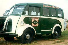 Morris J school bus. Small Trucks, Cool Trucks, Cool Cars, Classic Trucks, Classic Cars, Step Van, Panel Truck, Bus Coach, Automobile