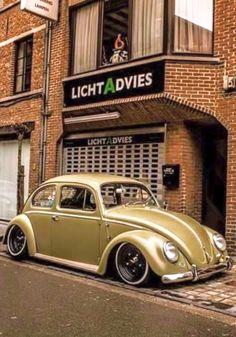 VW Fusca Beetle Vw Bus, Vw Camper, Beetles Volkswagen, Volkswagen Golf, Vw Rat Rod, Vespa, Vw Vintage, Yellow Car, Cool Cars