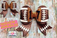 Football Hair Bows, Cheer Hair Bows, Diy Hair Bows, Ribbon Hair Bows, Hair Bow Tutorial, Fabric Flower Tutorial, Glitter Carnaval, Homemade Bows, Halloween Hair Bows