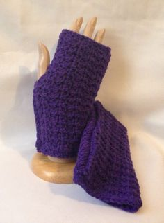 These cozy, textured Honeycomb Fingerless Mittens were crocheted using a purple yarn in 100% acrylic. MEASUREMENTS 3 3/4 inches in width 7 inches in length  CARE Gentle handwash and lay flat to dry for best results and longer life.