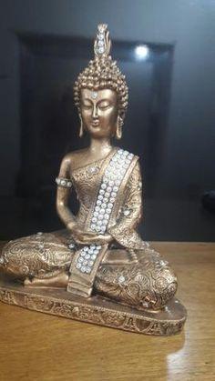 Escultura buda com brilho prateado