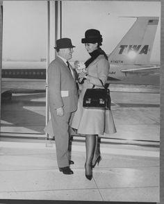 When flying was elegant. Carlo Ponti, Sophia Lauren, TWA