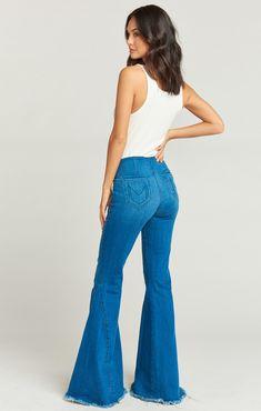 Best Women black jeggings light jeans denim outfit for men – yesuslike Types Of Jeans, Type Of Pants, Wide Leg Jeans, High Waist Jeans, Skinny Jeans, Grey Jeans Men, White Jeans, Best Jeans For Women, Jeans Women