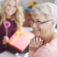 Gifts For Women I'll be the first to admit that finding gift ideas for women over 60 is tough . Gifts For Older Women, Makeup Tips For Older Women, Sixty And Me, Over 60, 60th Birthday Gifts, New Friendship, Experience Gifts, Professional Makeup Artist, Birthday Woman