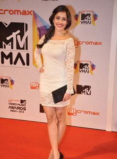 Nushrat Bharucha's steady rise is a telling indication of the fact that you do no really need to be a star daughter to be a hit Bollywood Oops, Bollywood Bikini, Bollywood Actress, Hot Actresses, Indian Actresses, Hear Style, Desi Bhabi, Indian Celebrities, Muslim Fashion