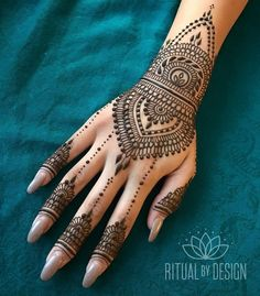 Online shopping for Hennas - Styling from a great selection at Beauty Store. Henna Hand Designs, Eid Mehndi Designs, Pretty Henna Designs, Indian Henna Designs, Mehndi Design Photos, Wedding Mehndi Designs, Henna Tattoo Designs, Henna Tattoo Hand, Henna Body Art