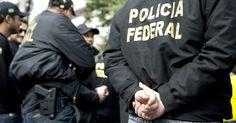 Agentes da Polícia Rodoviária Federal e da Polícia Federal estão fazendo uma operação, na manhã desta sexta-feira (9) em seis estados para cumprir mais de 30 mandados de prisão.A ação é contra o rou ...
